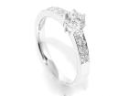 Superdeal! Diamantring hvitt gull diamanter 0.74ct GIA