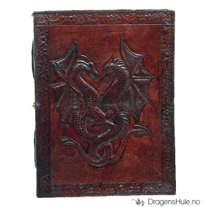 Bilde av Notatbok: Dobbeltdragen brun, gammeldags embossert lær